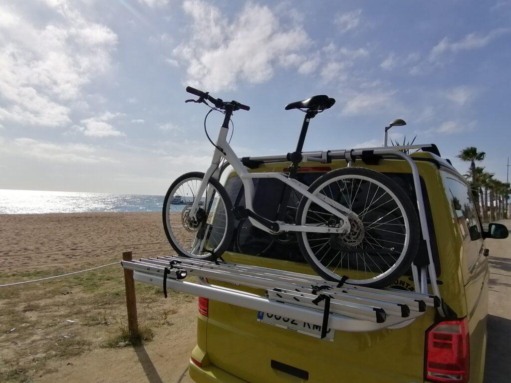 Llevar la bicicleta en la furgoneta